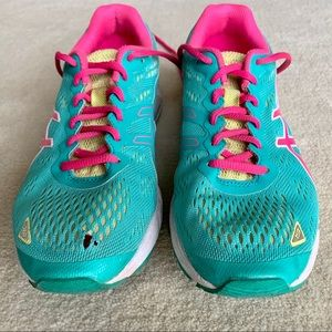Asics Women's GEL-DS Trainer 19 Running Shoes